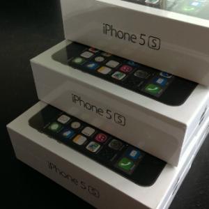 Unlocked Apple Iphone 5s 64GB, Samsung Galaxy S4, Blackberry porsche P9981